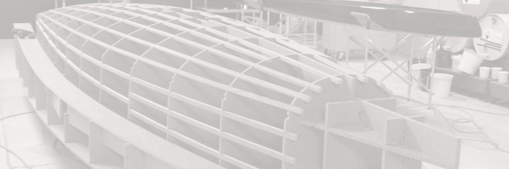 Modèle sur mesure en bois d'une coque de bateau